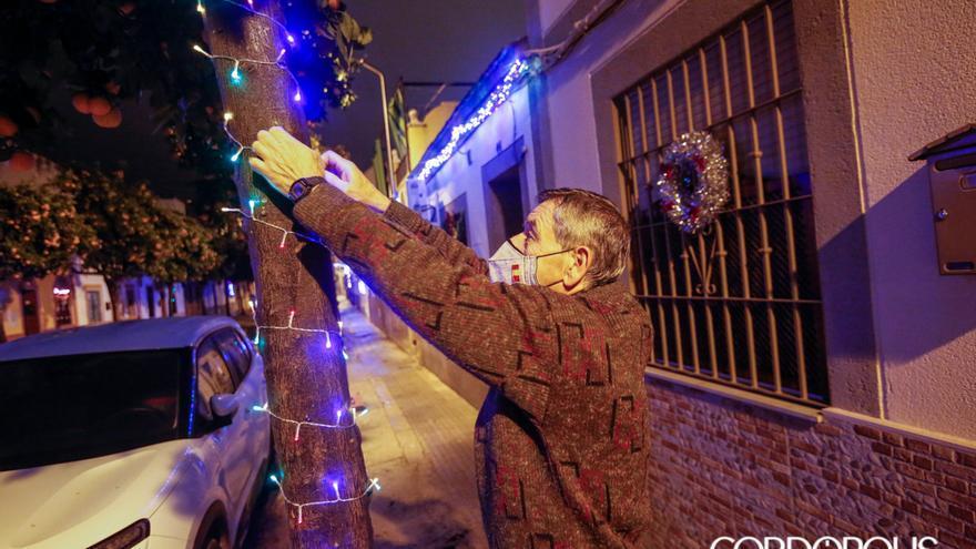 Decoración navideña en el Campo de la Verdad   ÁLEX GALLEGOS