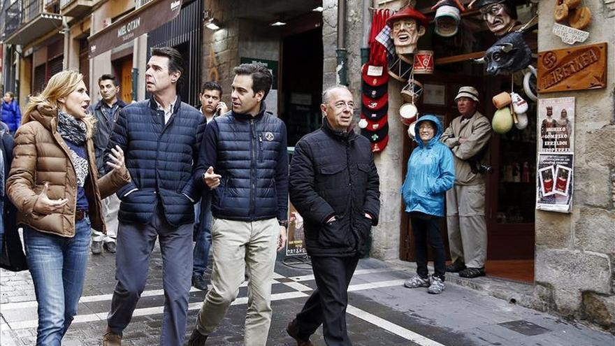 El ministro Soria dice desconfiar de quien pretenda eliminar el régimen foral