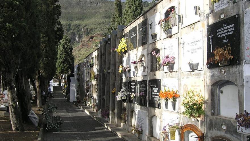 El Ayuntamiento de la capital amplía el horario de apertura del cementerio municipal con motivo del Día de Difuntos