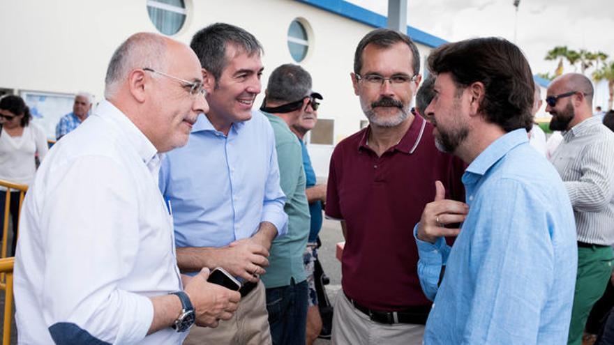 Antonio Morales, a la izquierda, enfrente de Carlos Alonso, en una imagen de archivo
