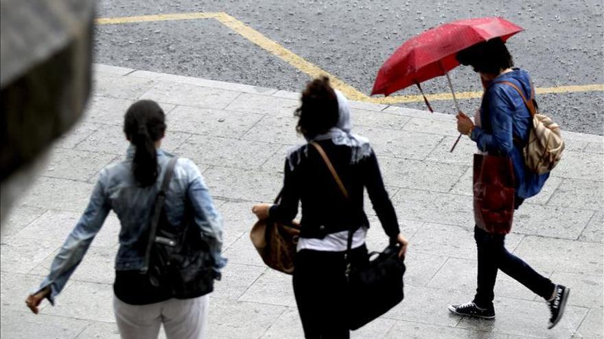 Seis provincias de Andalucía y Galicia, en alerta por fuertes lluvias y viento