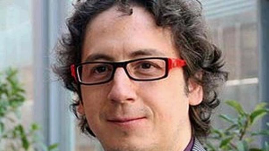Carlos Cuadros.