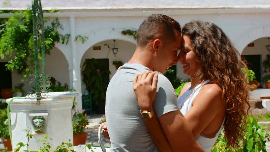 Granjero se despidió con tres parejas y una futura boda con Carlos Lozano como padrino