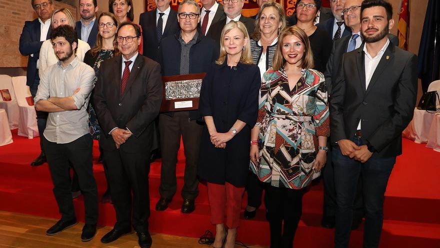 Consellers y portavoces parlamentarios celebran el 25 de Abril