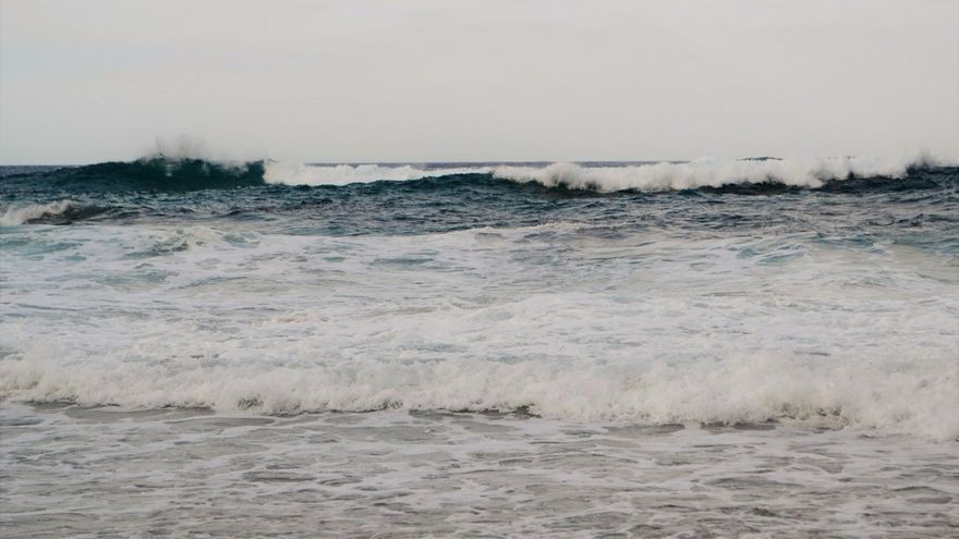 Activado el aviso amarillo este viernes en la costa vasca por olas de hasta 4 metros