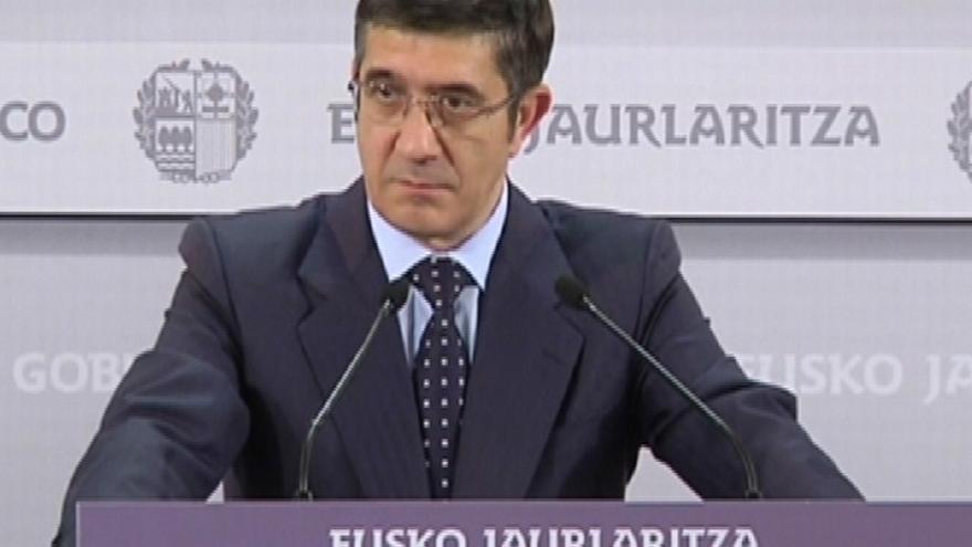 López propone que el sistema fiscal vasco lo decida el Parlamento y medidas para que paguen más las rentas altas