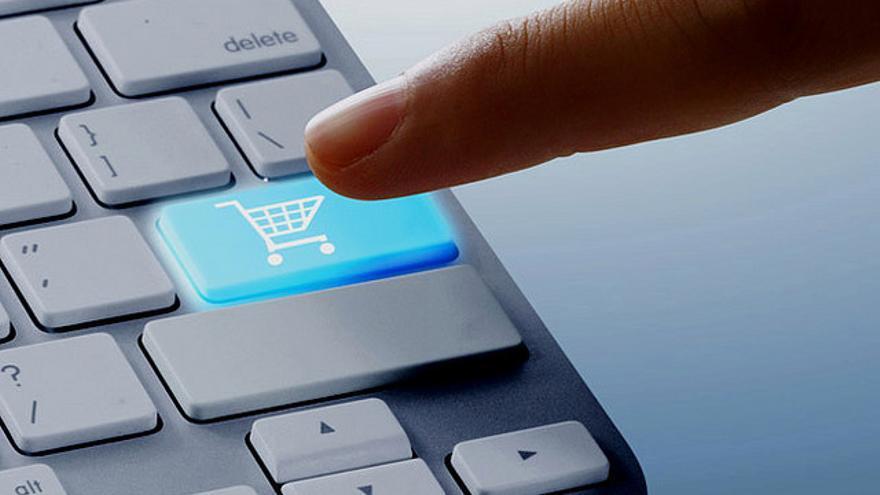 Muchos invidentes se quejan de que no pueden comprar productos en las tiendas 'online' o no pueden adquirir billetes para el transporte