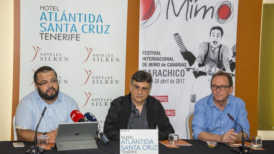 José Heriberto González, alcalde de Garachico, en el acto oficial de este lunes, en Santa Cruz