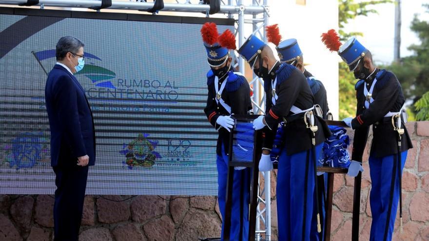 Honduras conmemora fiestas de independencia de luto por muertos por COVID-19