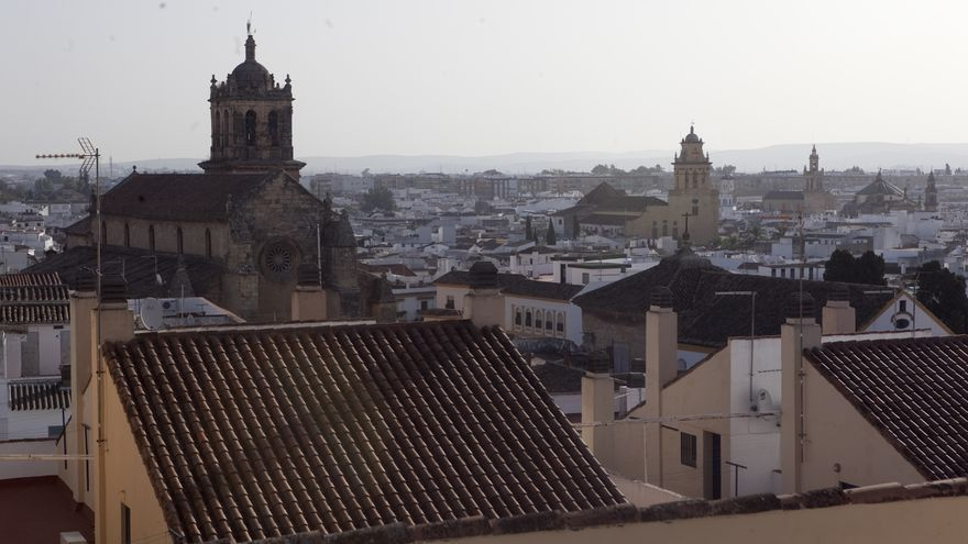 Panorámica del casco histórico de Córdoba con varias torres de las Iglesias Fernandinas.