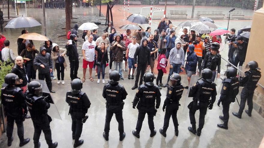 Un sindicato policial recurre que no se investigue a votantes del 1-O por resistencia