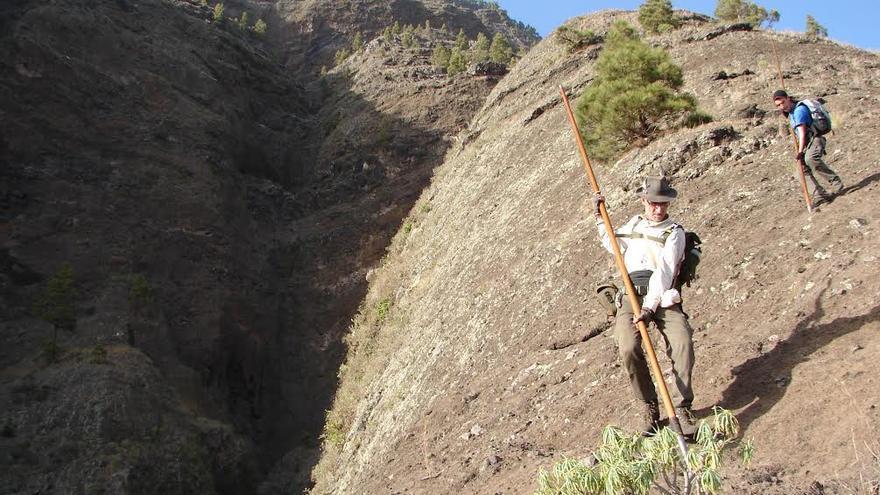 En la imagen, 'pasada' pastoril del  Pulpito Risco, en la cara norte de La Caldera de Taburiente. Foto: Carlos Cecilio Rodríguez.