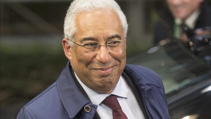 El nuevo Gobierno socialista dice que mantendrá el déficit a raya en Portugal