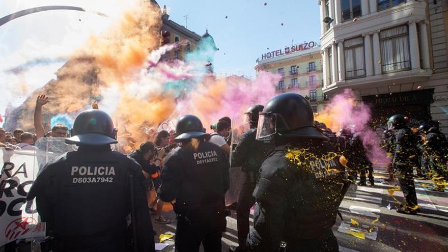 24 personas atendidas de carácter leve tras cargas en manifestación Barcelona
