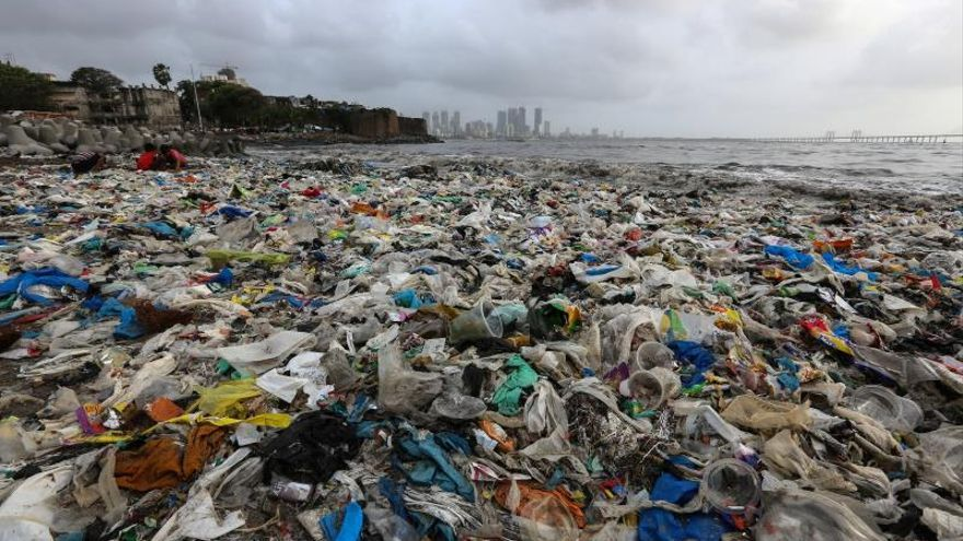La cumbre medioambiental logra un acuerdo sobre el plástico y la contaminación marina