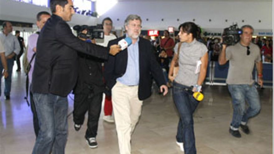 Agustín Santos a su llegada a la Guacimeta este domingo.(ACFI PRESS)