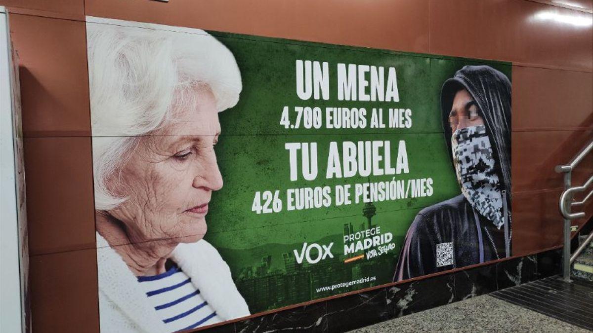 Cartel de Vox en la campaña electoral de Madrid contra los menores migrantes no acompañados