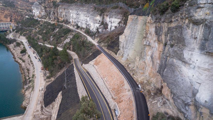 La carretera de Cortes de Pallás ya ha sido reparada y abierta al tráfico