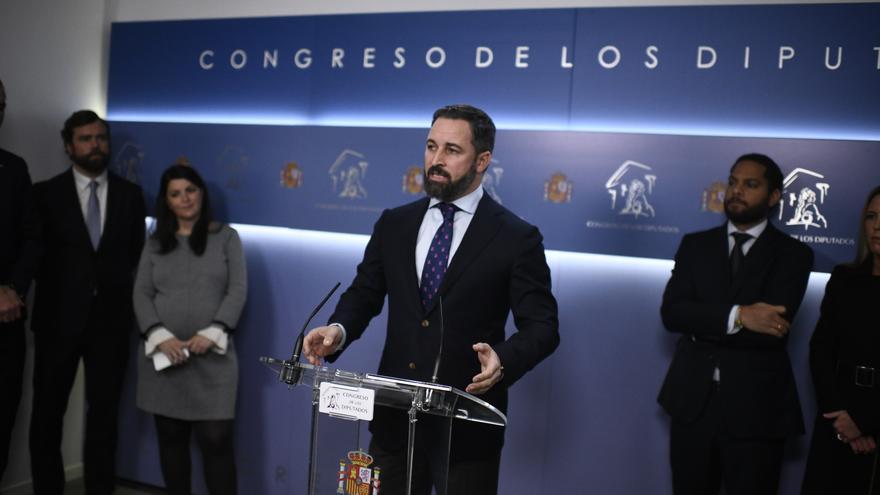 El presidente de Vox, Santiago Abascal, comparece en el Congreso de los Diputados para avanzar las líneas generales de Vox en la XIV Legislatura,tras convertirse en la tercera fuera política de España