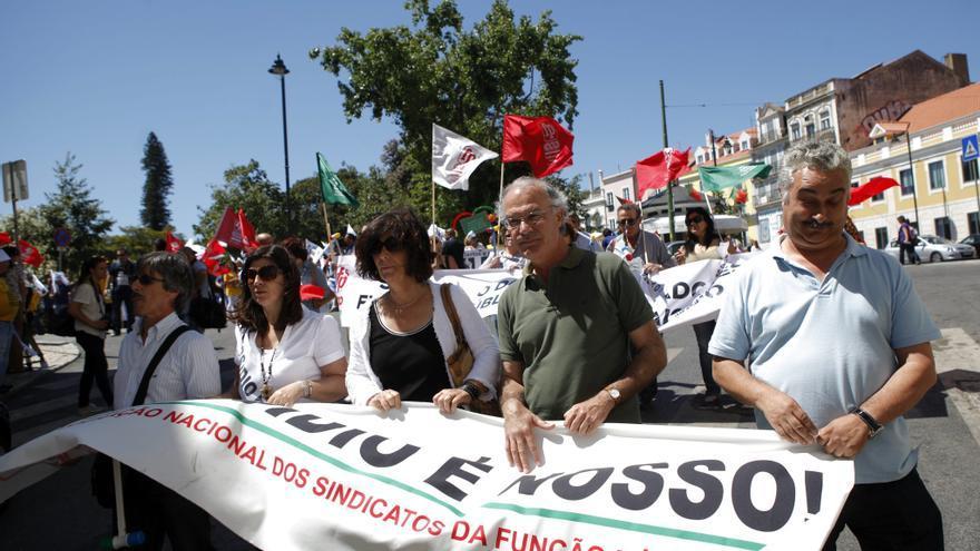 El desempleo de larga duración deja al 57 por ciento de los parados lusos sin subsidio