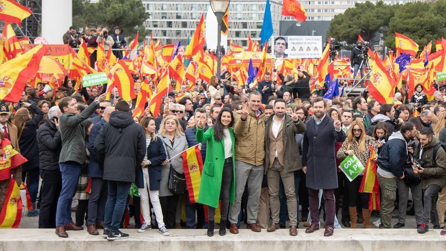 Los líderes de Vox en la manifestación de Colón convocada junto a PP y Ciudadanos