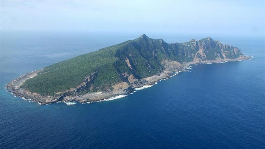 China envía barcos patrulla a aguas de las islas que se disputa con Japón