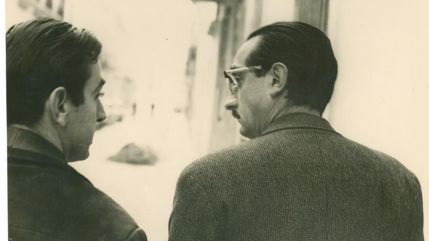 Andreu Alfaro i Fuster, passejant, a principis dels seixanta.
