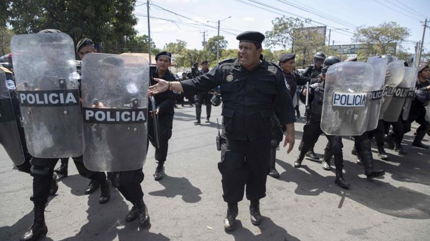 La Policía de Nicaragua se despliega por Managua ante la protesta contra Ortega