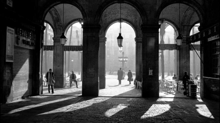 La plaza Reial, un oasis con múltiples secretos dentro de Barcelona