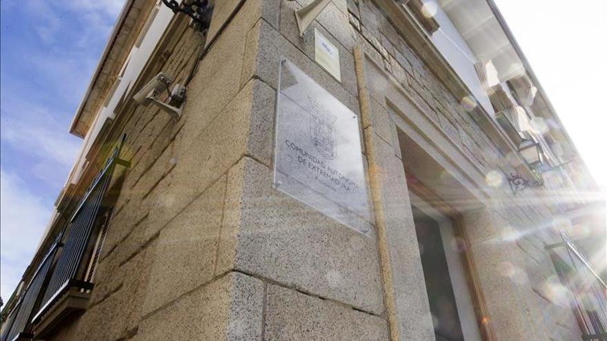 """El PP de Extremadura asegura que la """"excepción"""" es que haya residencia para los presidentes"""
