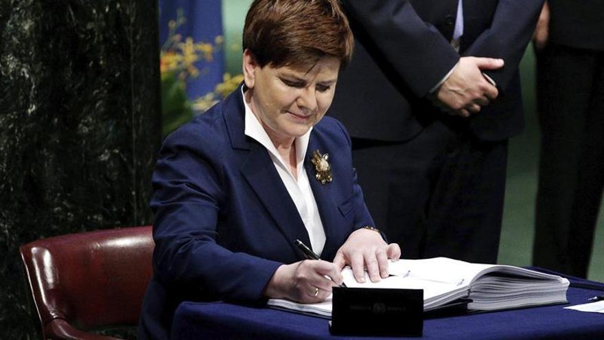 La primera ministra polaca rechaza el ultimátum de Bruselas ante la crisis en Constitucional