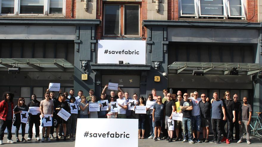 Los trabajadores de Fabric protestan por el cierre del club