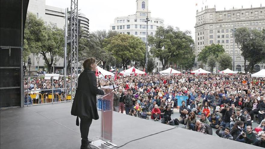 El expresidente uruguayo José Mújica se reúne con Colau y le expresa su apoyo