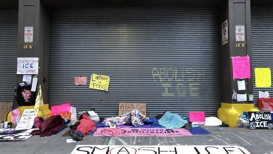 Imagen de las protestas contra el servicio de Inmigración y Control de Aduanas en Nueva York. Twitter: Occupy ICE NYC