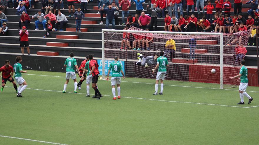Gol de Jaime en el minuto 72. Foto: JOSÉ AYUT.