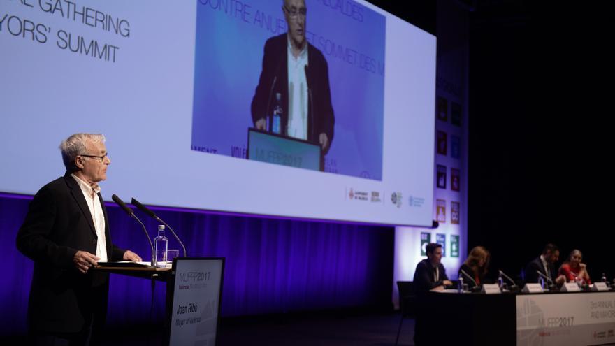 El alcalde de València, Joan Ribó, en la presentación del Pacto de Milán en València