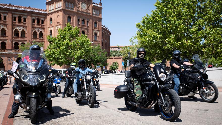 Miles de motoristas reclaman en el Día de la Moto medidas que frenen las muertes