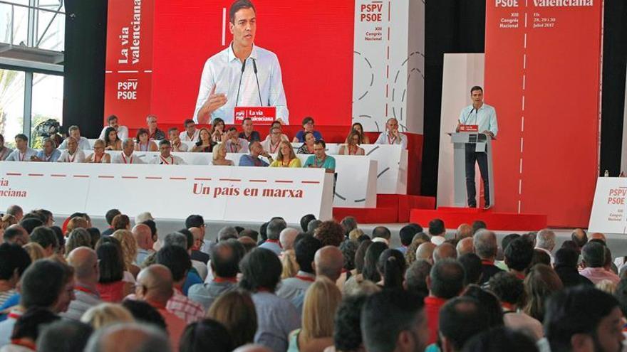 Sánchez vuelve a pedir la dimisión de Rajoy por la dignidad de la democracia