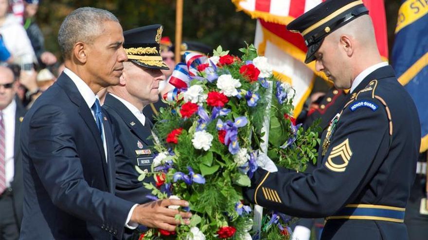 """Obama pone a los veteranos como """"ejemplo"""" para recobrar la unidad tras las elecciones"""