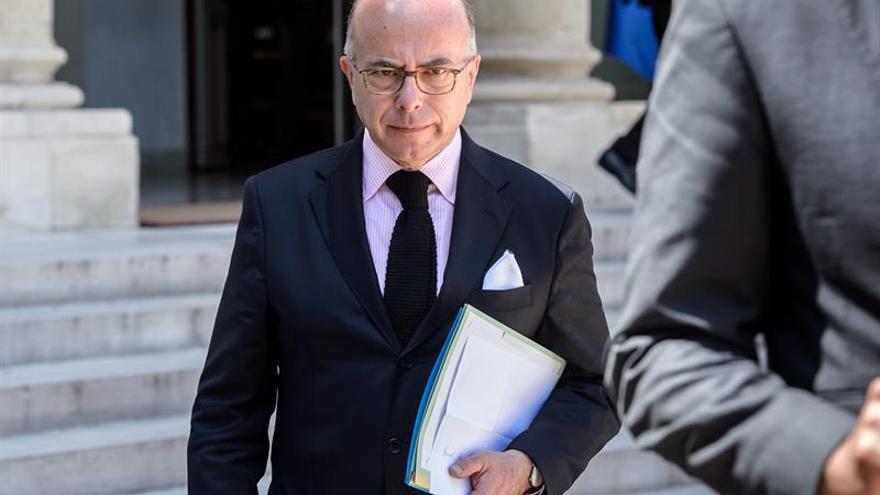 """Ministro galo no descarta que el ataque de Niza sea obra de un """"lobo solitario"""""""