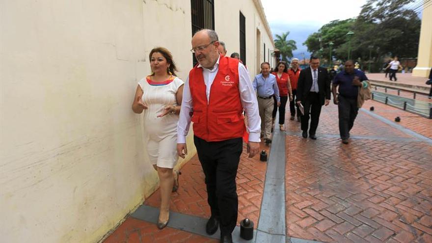 El secretario de Cooperación español se reúne con el presidente de Honduras