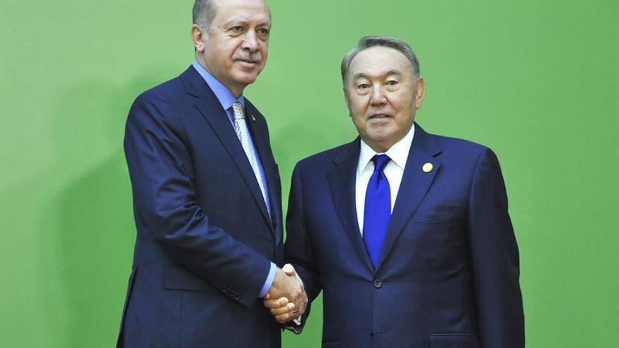 El presidente kazajo propone crear un foro islámico similar al G20