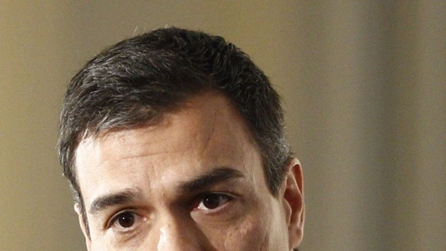 """Sánchez acusa a Rajoy de """"mentir sin pudor"""" y dice que los españoles tienen derecho a saber qué recortes planea"""