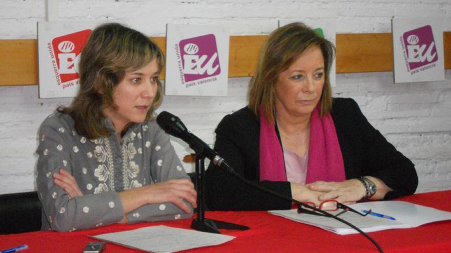Marina Albiol junto a Marga Sanz, coordinadora general de Esquerra Unida