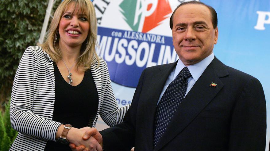 Silvio Berlusconi y Alessandra Mussolini.