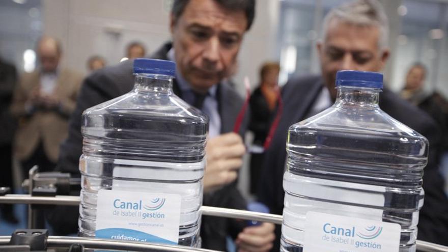 El presidente de Madrid, Ignacio González, en instalaciones del Canal de Isabel II. /madrid.org