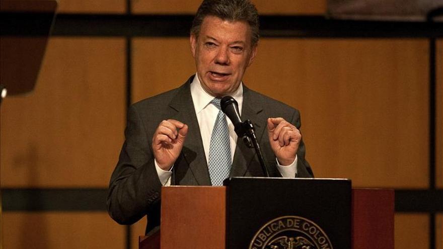 Santos oficializa su intención de buscar la reelección en 2014