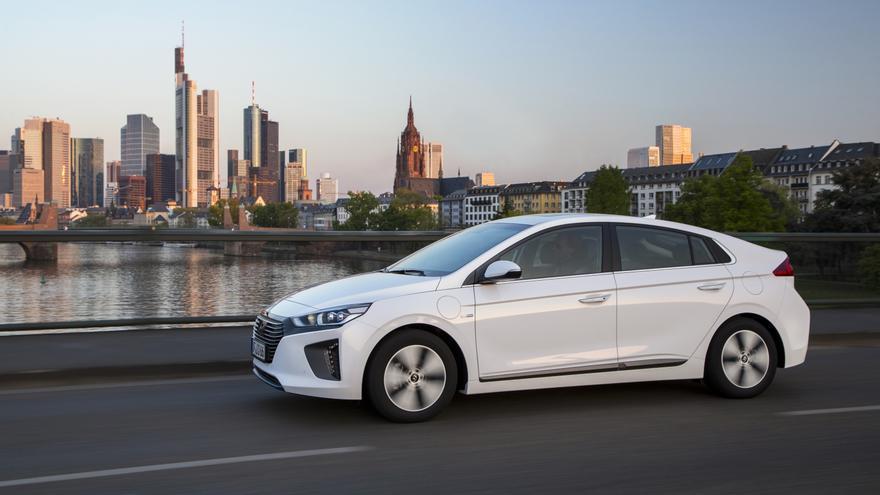 Hyundai Ioniq híbrido enchufable.