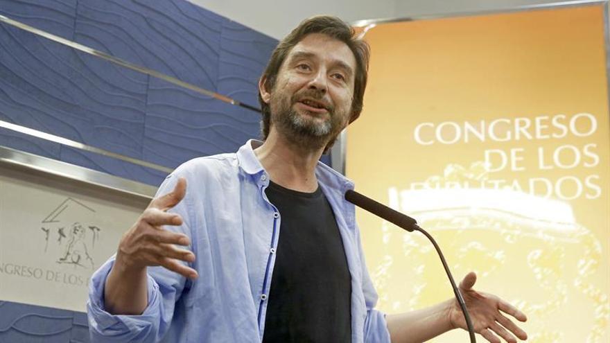"""Podemos critica el """"triunfalismo"""" de Rajoy """"que ha recuperado sus tijeras"""""""
