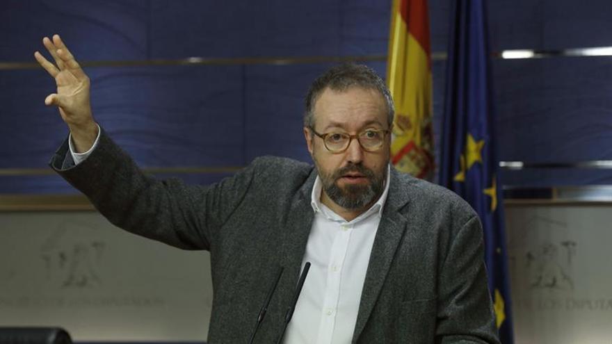 El portavoz de Ciudadanos, Juan Carlos Girauta, en una rueda de prensa en el Congreso.